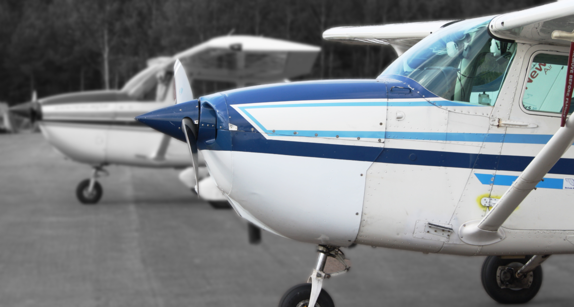 blue_white_cessna
