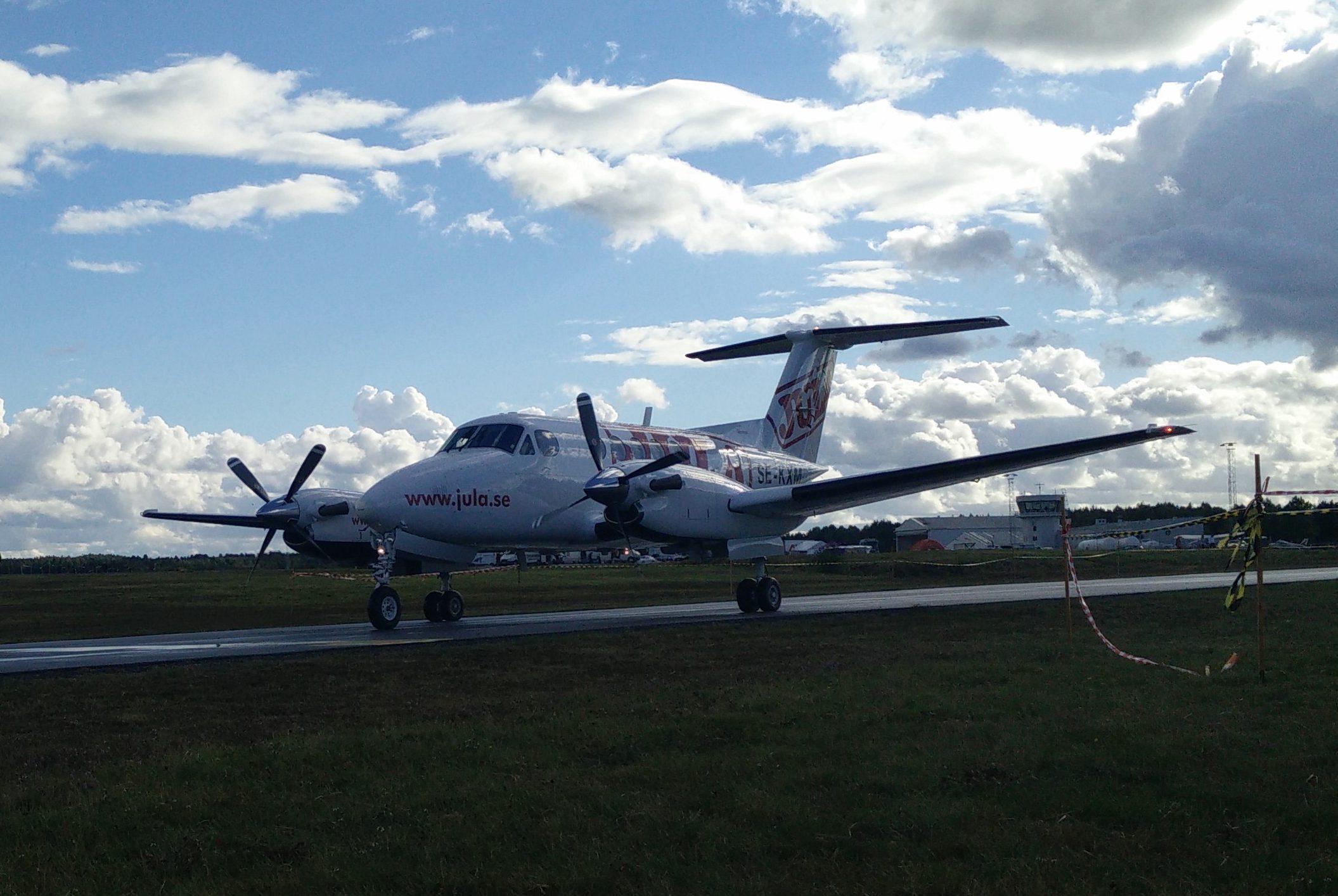 Gissa vem som kom på besök i en Beech King Air?